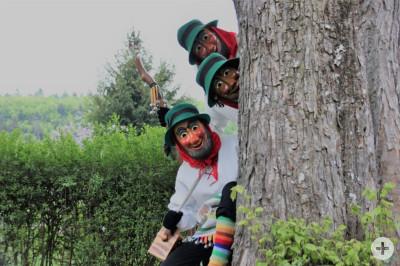 Eßlinger Hannesle hinter Baum