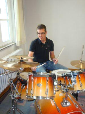 Bild von Andreas Freudenthaler am Schlagzeug
